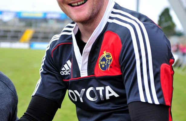 Donnacha Ryan pose